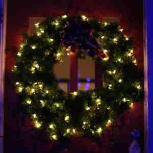 Clear mini lights on a Christmas Wreath