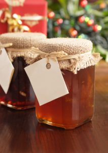Homemade Christmas Gifts – Easy For You and Easy on Your Budget