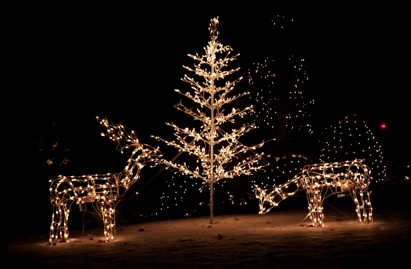 i need to replace the lights on my yard sculpture help - Christmas Tree Light Repair