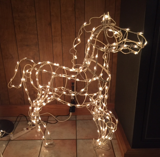 Customer Photo Lighting Up Wire Frame Horses Christmas Light Source
