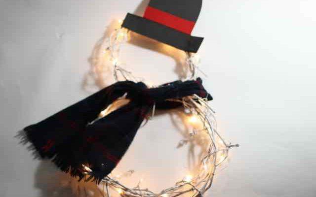 Snowman Grapevine Wreath: Light Your Winter Entryway