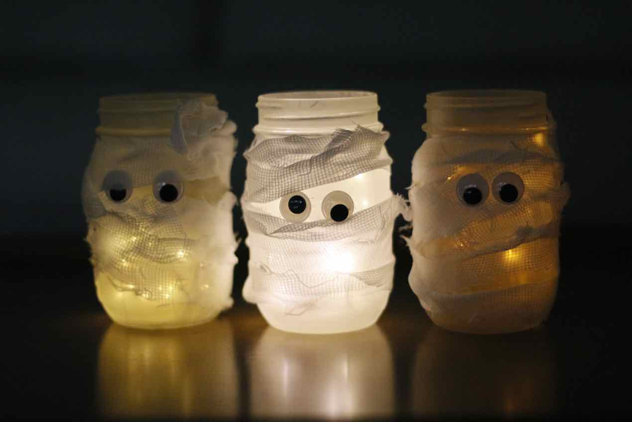 DIY: Mason Jar Mummies