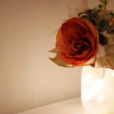 DIY Wedding Centerpiece –  Frosted Jar and Flowers