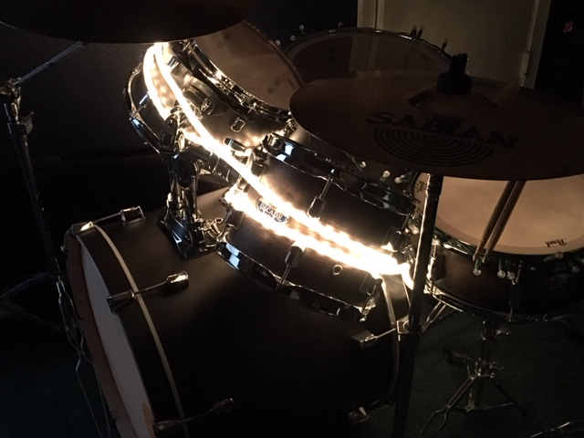 Lighting a drum set with lights!