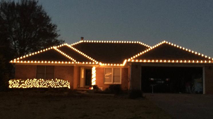 Christmas Lights Installer.Tips When You Start A Christmas Lights Installation Business