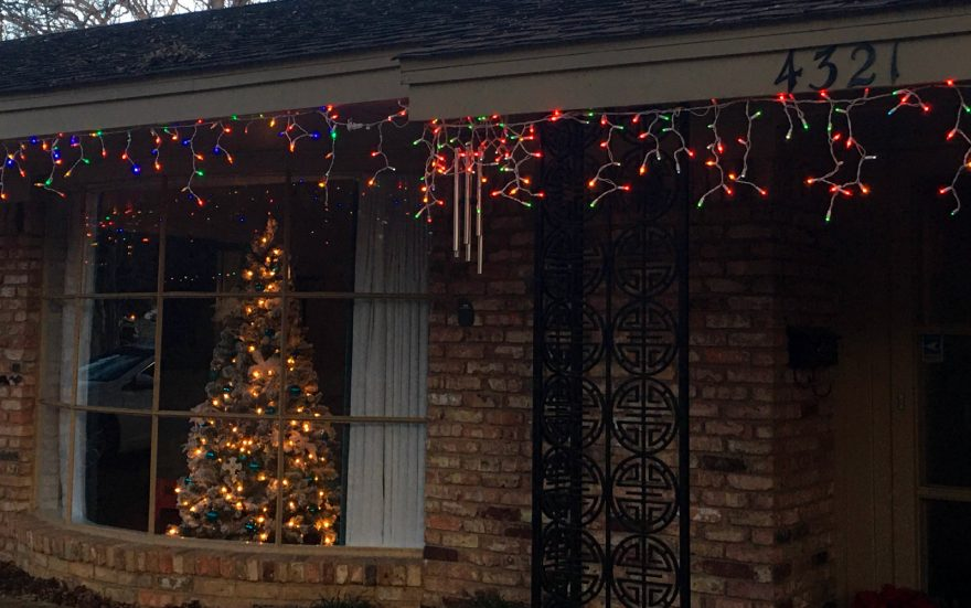 How do you know if your Christmas lights are LED?
